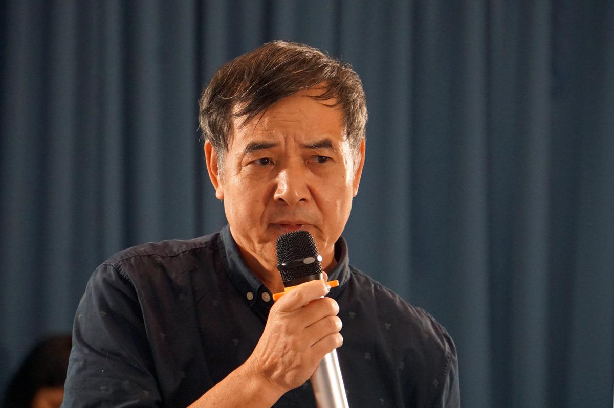Ông Lê Trường Tùng, Chủ tịch Hội đồng trường Đại học FPT phát biểu tại toạ đàm ngày 12/11. Ảnh: Mạnh Tùng.