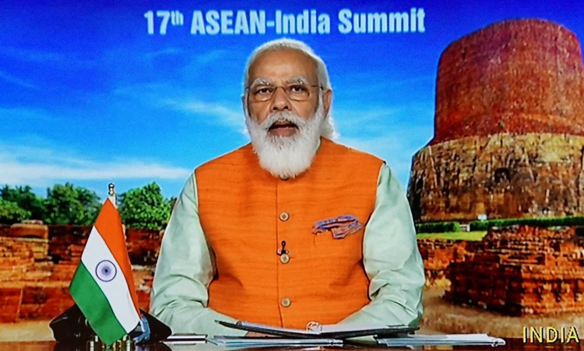 Thủ tướng Modi phát biểu tại Hội nghị cấp cao ASEAN - Ấn Độ chiều 12/11. Ảnh: Vũ Anh.