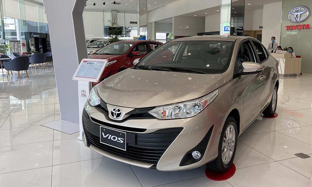 Vios, mẫu xe lắp ráp bán chạy nhất thị trường tại một đại lý Toyota ở TPHCM. Ảnh: Phạm Trung