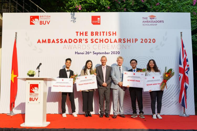 Đại học Anh Quốc Việt Nam hỗ trợ tài chính 53 tỷ đồng
