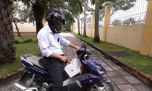 Máy lọc không khí cho người đi xe máy