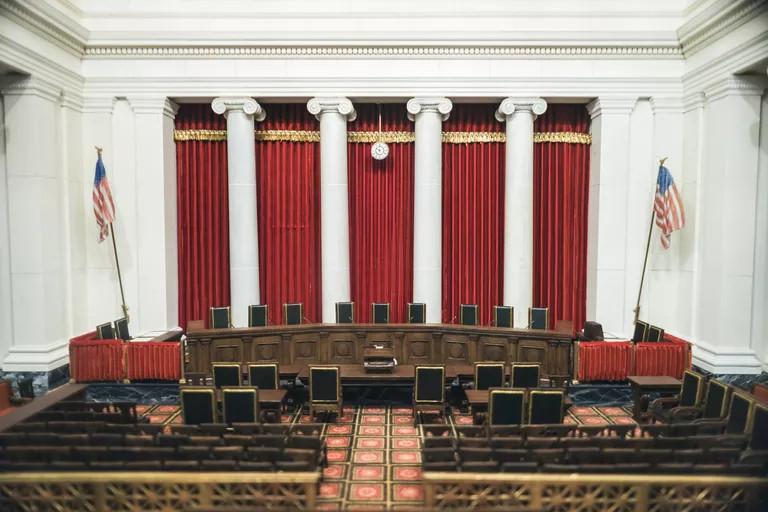 Toàn cảnh phòng Xét xử của Tòa Tối cao. Ảnh: Getty.