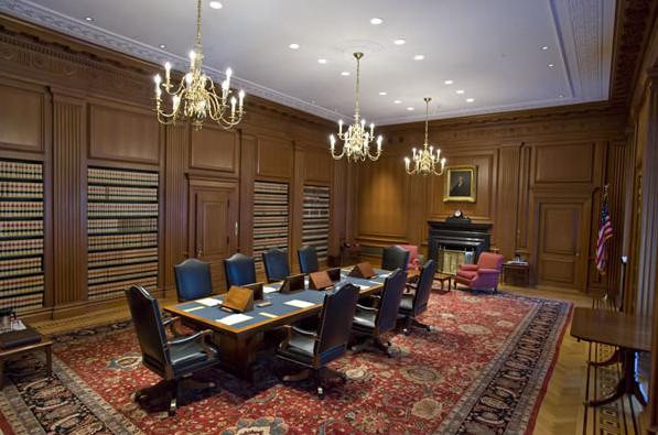 Phòng họp, nơi các thẩm phán họp kín để nghị án. Ảnh: Collection of the Supreme Court of the United States.