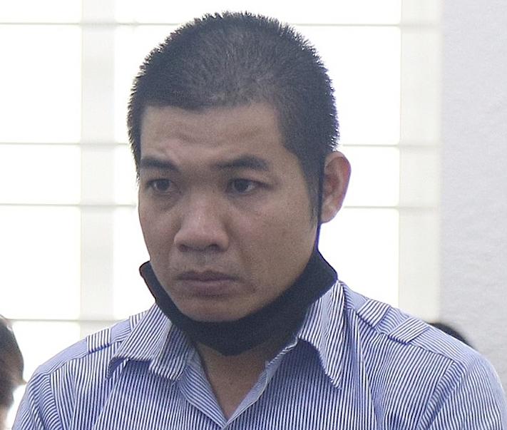 Bị cáo Giang tại phiên tòa sáng 13/11. Ảnh: Danh Lam