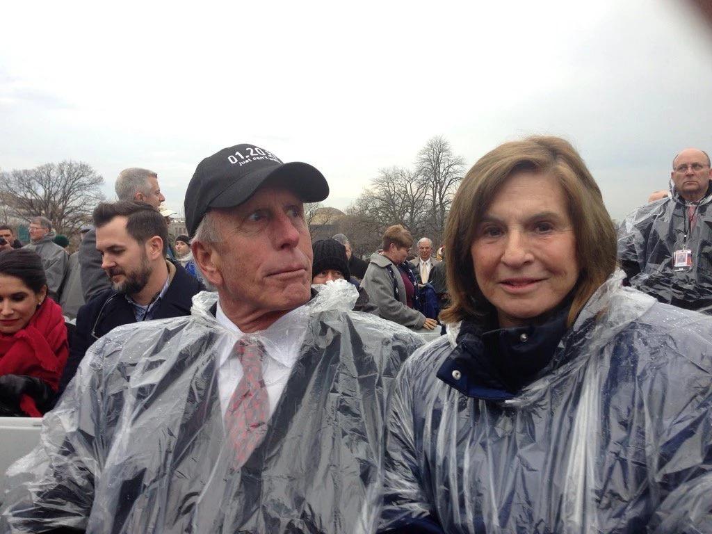 Richard Uhlein và vợ, Liz, tại lễ nhậm chức tổng thống của Trump ở Washington năm 2017. Ảnh: New York Times