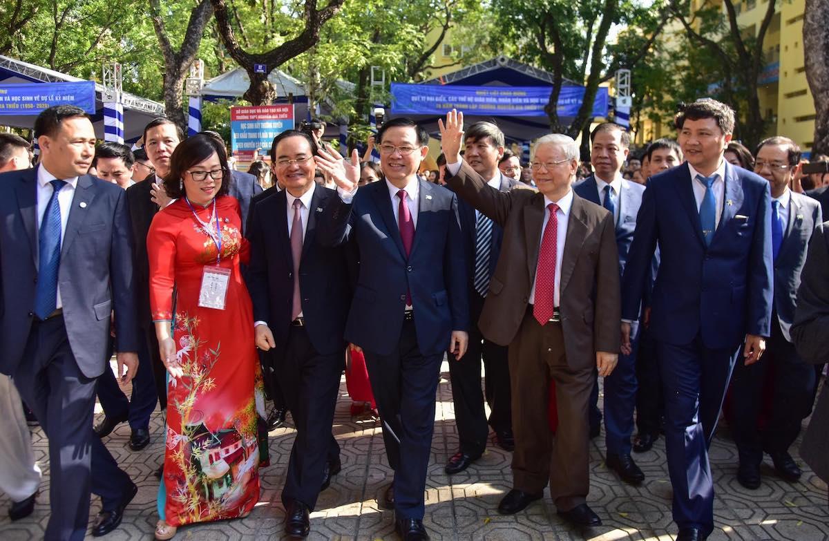 Tổng Bí thư, Chủ tịch nước Nguyễn Phú Trọng về dự lễ kỷ niệm 70 năm thành lập Trường THPT Nguyễn Gia Thiều sáng 14/11. Ảnh: Viết Thành
