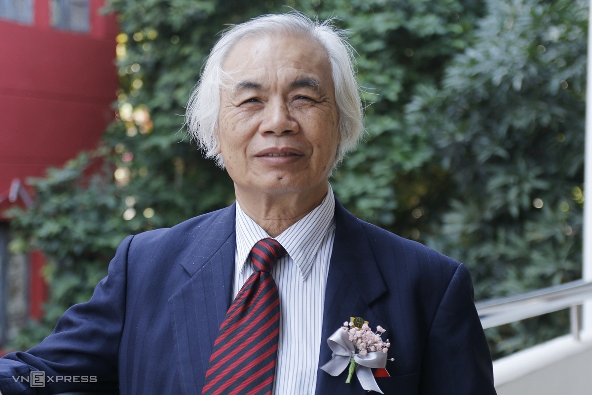 Thầy Nguyễn Trọng Đàn dự lễ kỷ niệm 60 năm thành lập Đại học Ngoại thương, ngày 14/11. Ảnh: Thanh Hằng
