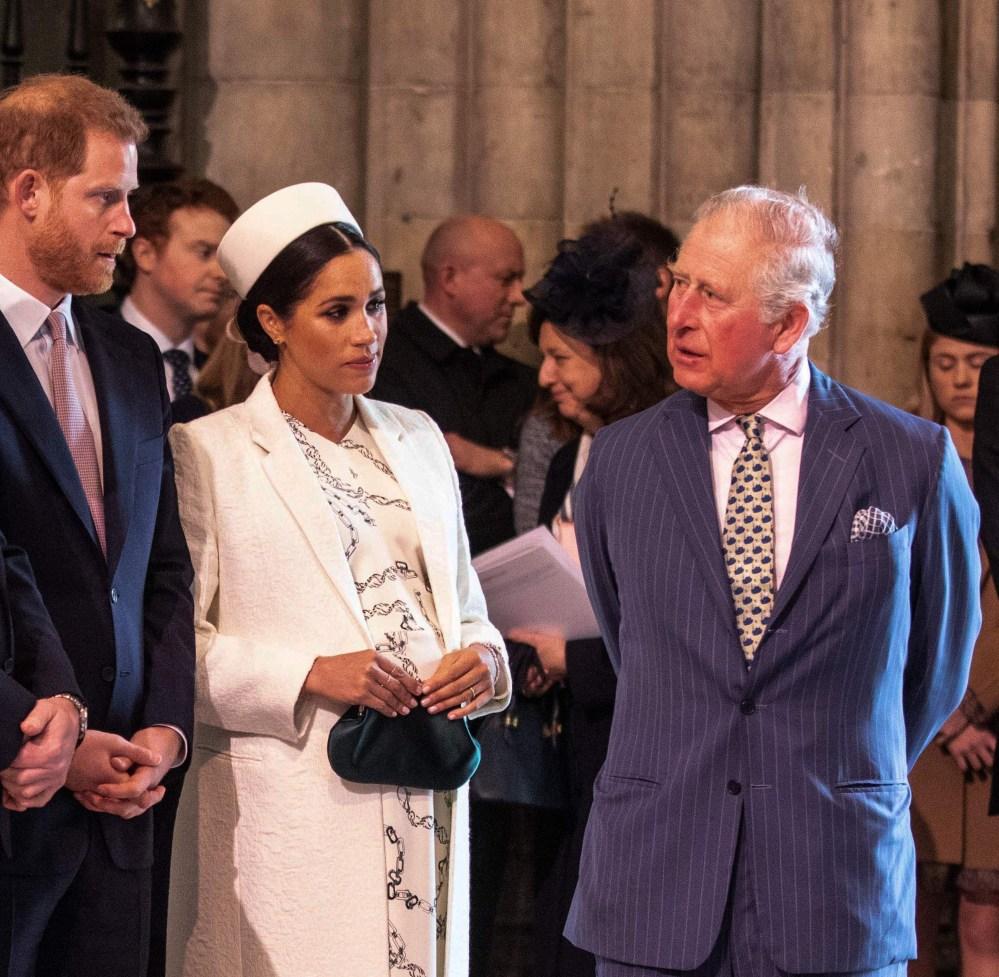 Thái tử Charles trò chuyện với Harry và Meghan tại một sự kiện ở Tu viện Westminster, London, năm 2019. Ảnh: AFP.