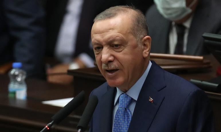 Tổng thống Erdogan trong phiên họp đảng cầm quyền ở Ankara hôm 11/11. Ảnh: AFP.