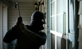 Trộm vào nhà có hung khí phải làm sao?