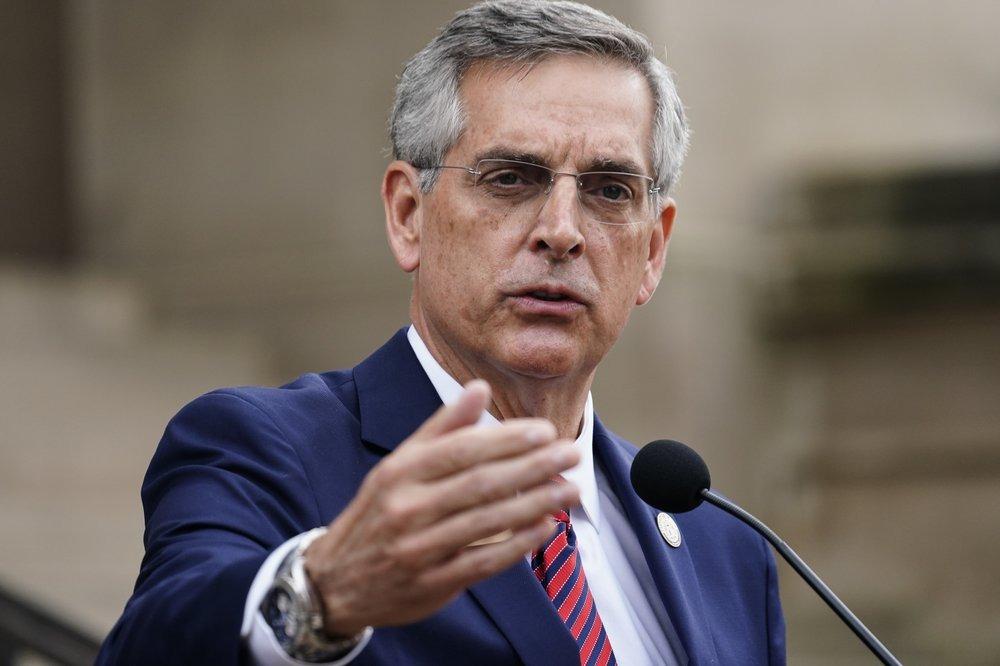 Tổng thư ký Georgia phát biểu trong họp báo tuyên bố kiểm lại phiếu hôm 11/11. Ảnh: AP