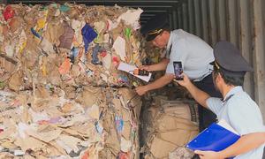 Hơn 1.500 container phế liệu không người nhận
