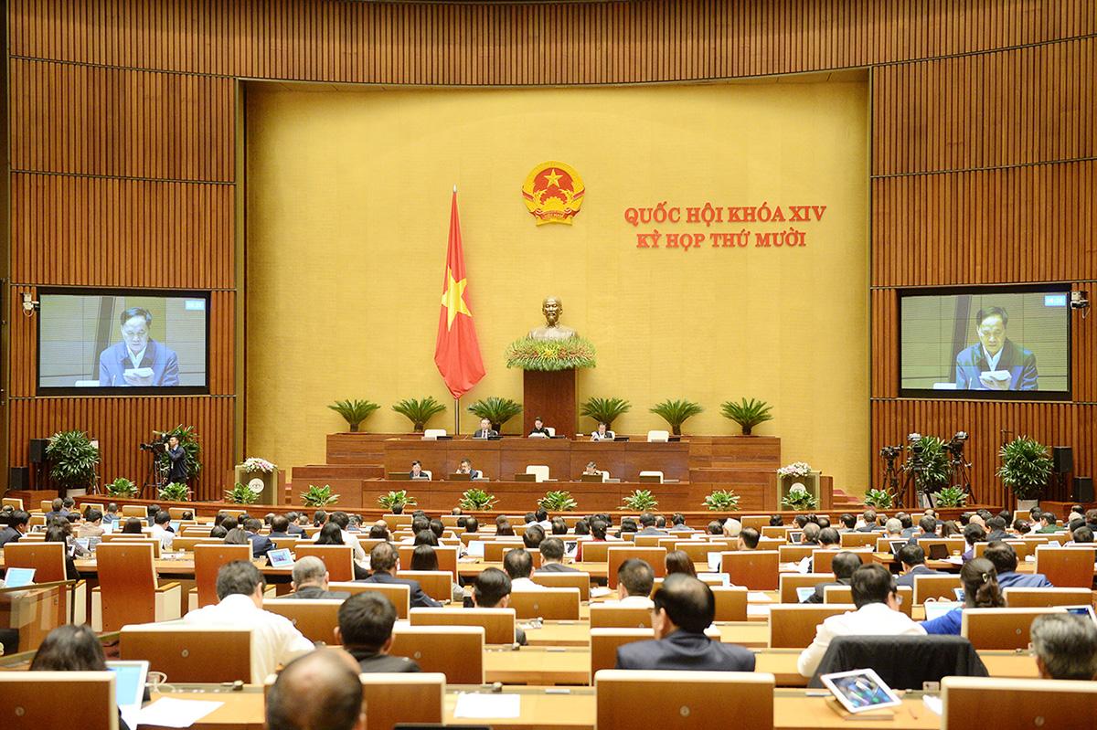 Đại biểu Quốc hội tham dự kỳ họp thứ 10, khóa XIV, tháng 11/2020. Ảnh: Trung tâm báo chí Quốc hội