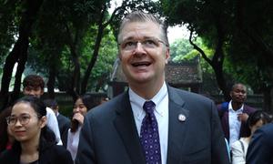 Đại sứ Mỹ thăm Văn Miếu Quốc Tử Giám