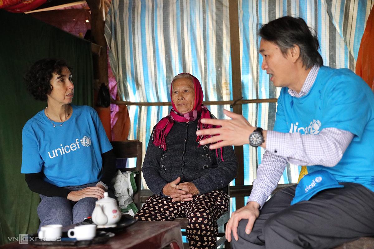 Bà LeSley Miller cho biết tổ chức này hỗ trợ 6 tình miền Trung 61 tỷ đồng để khắc phục hậu quả lũ lụt. Ảnh: Quang Hà