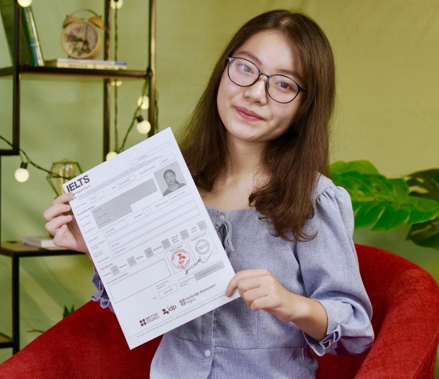Em Nguyễn Hồng Hạnh, học tiếng Anh tại IELTS Fighter đạt 8.0 IELTS kỳ thi 02/07/2020.