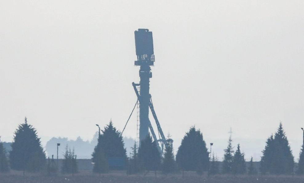 Radar nhìn vòng của hệ thống S-400 Thổ Nhĩ Kỳ thử nghiệm hồi năm 2019. Ảnh: AP.