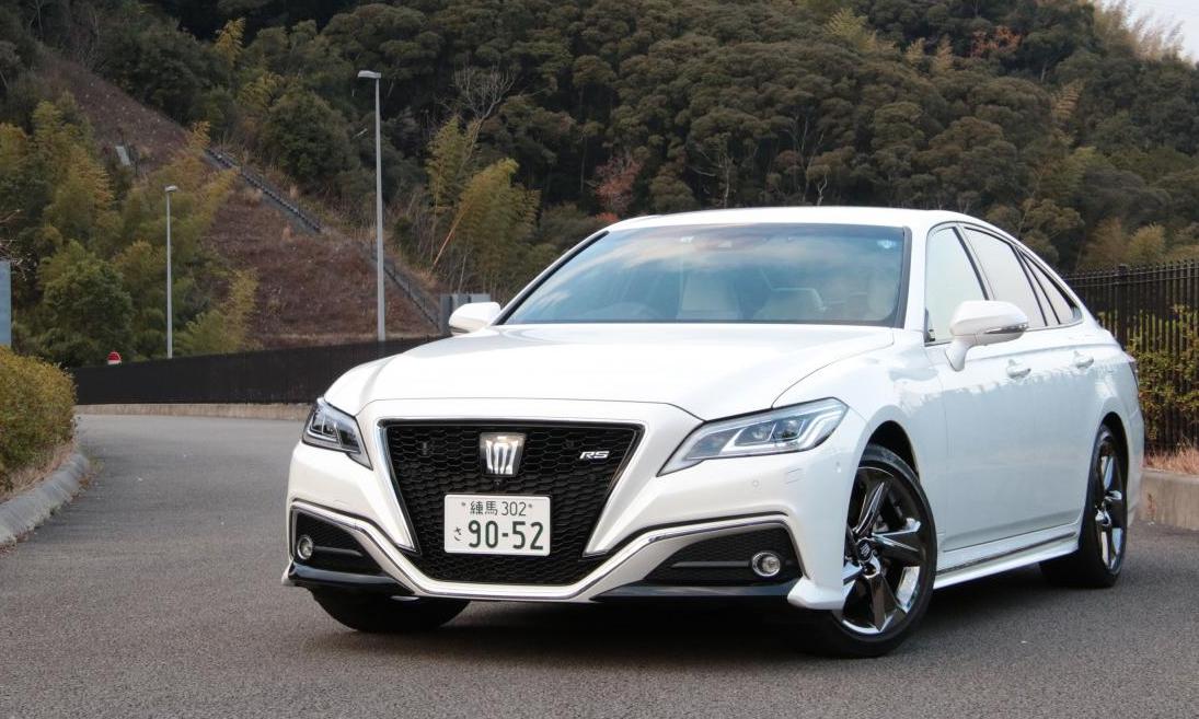 Crown - mẫu sedan cao cấp thế hệ hiện hành. Ảnh: Toyota