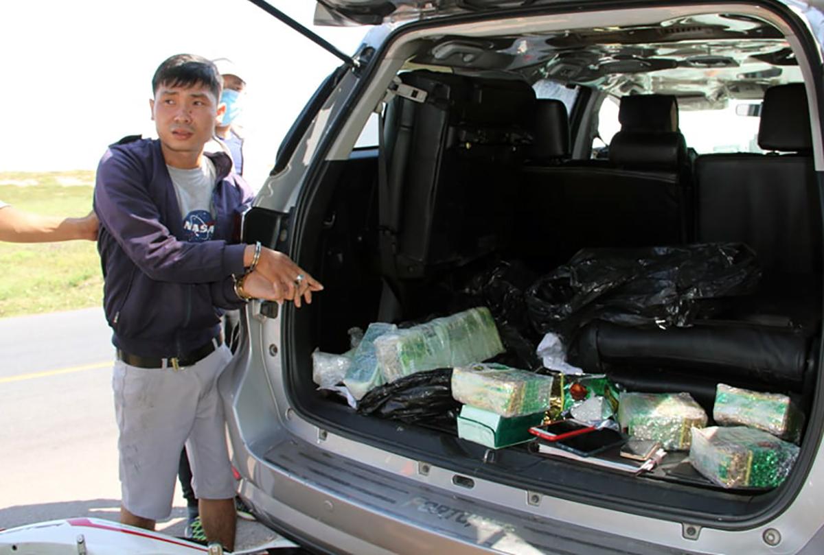 Khang bị bắt khi vận chuyển 17kg ma túy. Ảnh: Tuyết Nhung