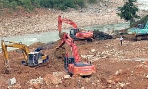 Dùng rọ đá nắn dòng chảy sông tìm người mất tích