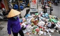 Nhiều dấu hỏi quanh quy định thu phí rác theo cân