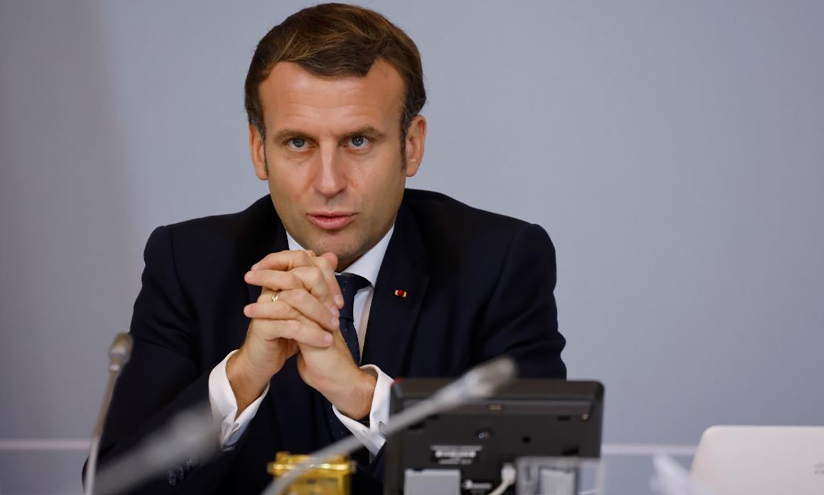 Tổng thống Pháp Emmanuel Macron trong cuộc họp trực tuyến tại Điện Elysee, Paris, ngày 17/11. Ảnh: AFP.