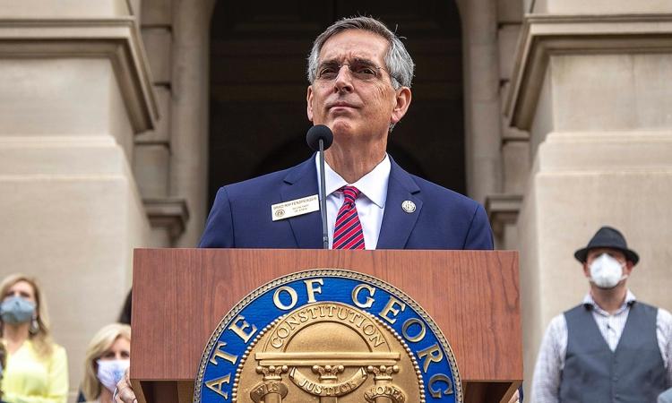 Tổng thư ký Georgia Brad Raffensperger tại cuộc họp ở thành phố Atlanta hôm 11/11. Ảnh: Reuters.