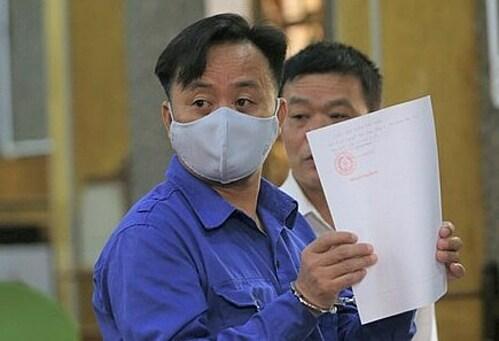 Bị cáo Nguyễn Minh Khoa tại phiên phúc thẩm ngày 19/11. Ảnh: Vũ Thanh