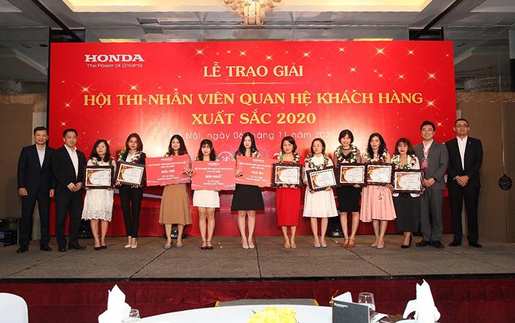 Các nhân viên xuất sắc được vinh danh tại hội thi.