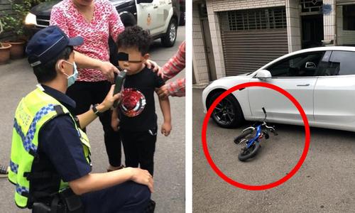 Cậu bé đến đồn cảnh sát làm bài tập vì bố mẹ đón trễ - 2