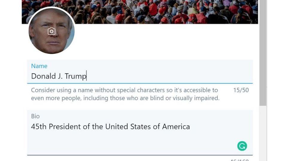 Ảnh chụp màn hình cho thấy ông Gevers dường như đang chỉnh sửa thông tin cá nhân trên tài khoản Twitter của Trump. Ảnh: BBC.