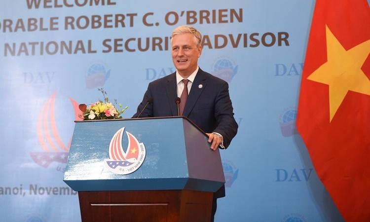 Cố vấn An ninh Quốc gia Mỹ Robert OBrien phát biểu trước sinh viên Học viện Ngoại giao Việt Nam ngày 22/11. Ảnh: Đại sứ quán Mỹ.