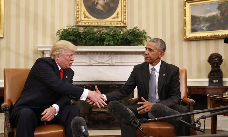 Cựu tổng thống Mỹ Barack Obama và Donald Trump tại Nhà Trắng hôm 10/11/2016. Ảnh: AP.