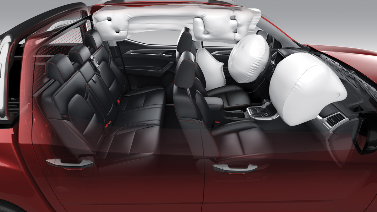 Vehicle equipped with 4 airbags.  Photo: Maxus