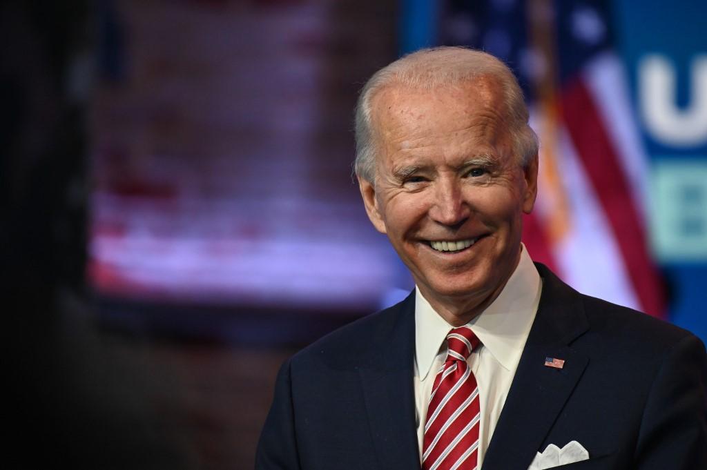 Tổng thống đắc cử Joe Biden trả lời họp báo ở Wilmington, Delaware, hôm 16/11. Ảnh: AFP