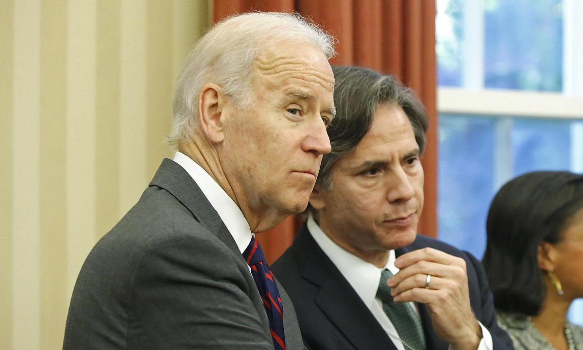 Biden và Blinken tại Nhà Trắng năm 2013. Ảnh: Reuters.