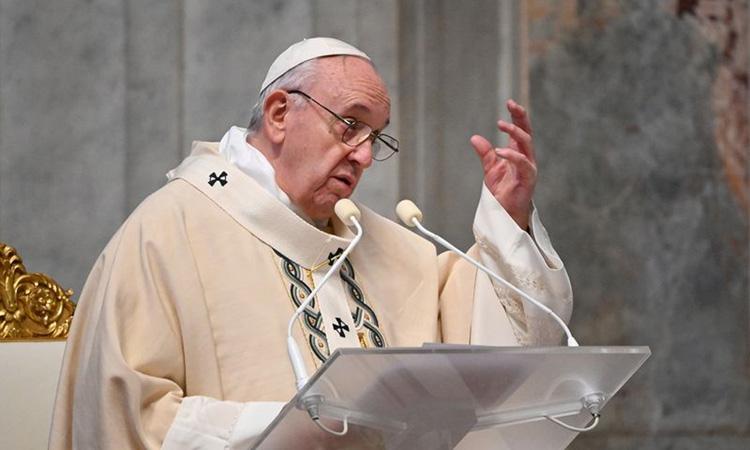 Giáo hoàng Francis chủ trì thánh lễ tại Vương cung thánh đường Thánh Peter ở Vatican hôm 22/11. Ảnh: Reuters.