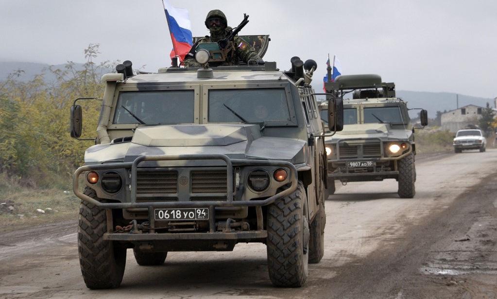 Lính Nga tuần tra tại Nagorno-Karabakh hôm 20/11. Ảnh: AFP.