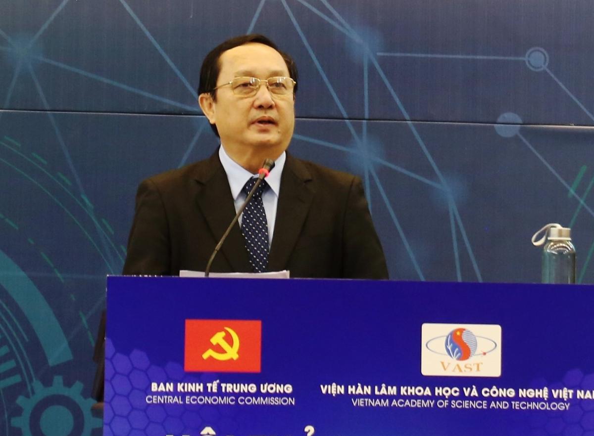 Bộ trưởng Khoa học và Công nghệ phát biểu tại hội thảo. Ảnh: NX.
