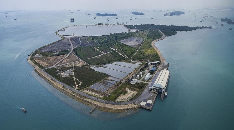 Đảo rác Pulau Semakau nhìn từ trên cao. Ảnh: NEA.