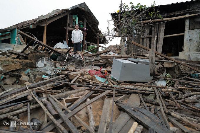 Tại làng An Xá bên sông Kiến Giang (Lệ Thủy, Quảng Bình), nhiều ngôi nhà tan hoang sau lũ, tháng 10/2020. Ảnh: Ngọc Thành