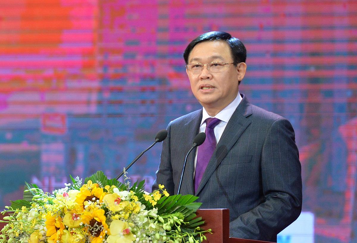 Bí thư Thành ủy Hà Nội Vương Đình Huệ phát biểu tại lễ khai mạc. Ảnh: NX.