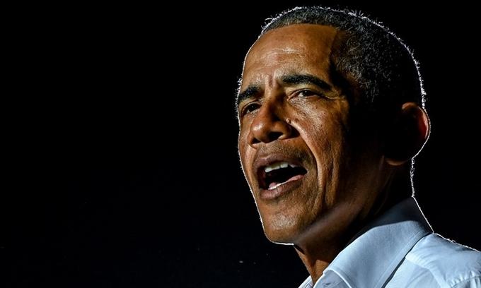 Cựu tổng thống Mỹ Barack Obama tại sự kiện ở Miami, Florida, hôm 2/11. Ảnh: AFP.