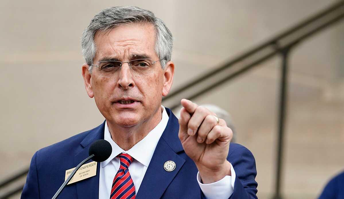 Tổng thư ký bang Georgia Brad Raffensperger phát biểu trong cuộc họp báo ở Atlanta hôm 11/11. Ảnh: AP.