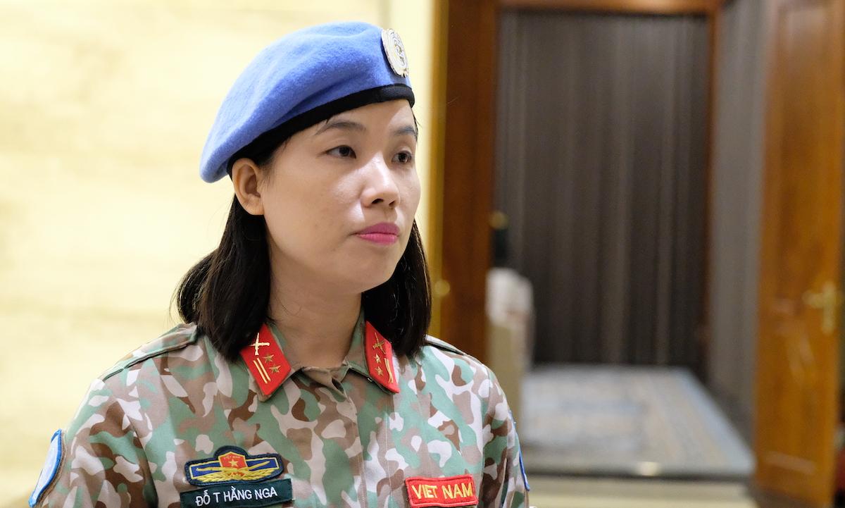 Trung tá Đỗ Thị Hằng Nga, nữ sĩ quan đầu tiên của Việt Nam tham gia gìn giữ hòa bình Liên Hợp Quốc, được Liên Hợp Quốc đánh giá là hoàn thành đặc biệt xuất sắc nhiệm vụ. Ảnh: Hoàng Thùy