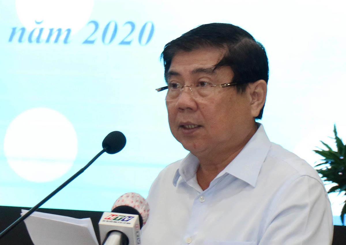 Chủ tịch UBND TP HCM Nguyễn Thành Phong phát biểu tại hội nghị, sáng 26/11. Ảnh: Gia Minh.