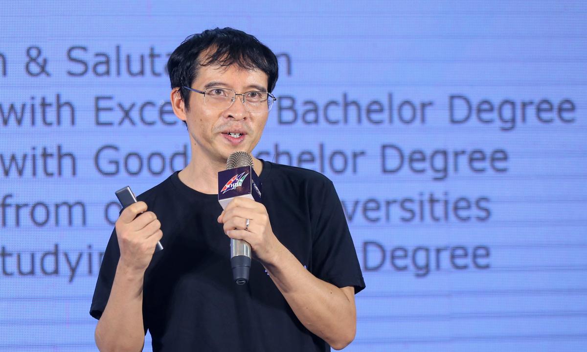 TS Bùi Hải Hưng nêu dẫn chứng minh họa Việt Nam có tên trên bản đồ AI thế giới.