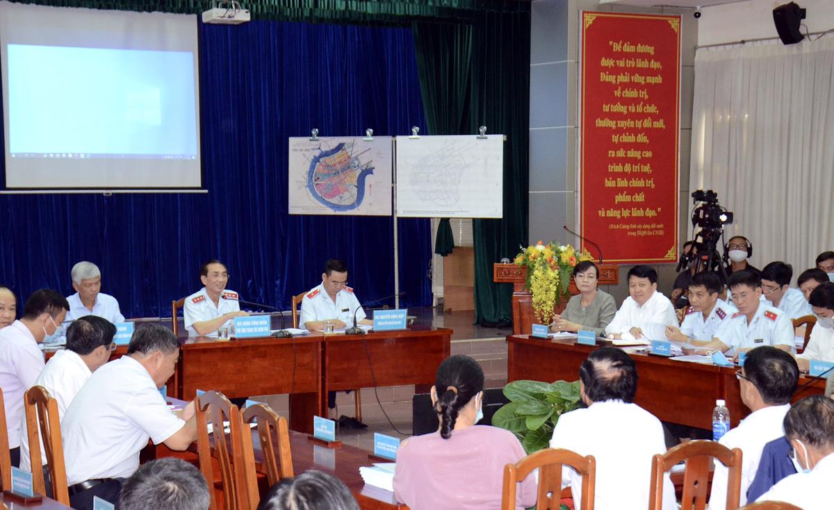 Các bản đồ liên quan quy hoạch dự án Khu đô thị mới Thủ Thiêm được đưa ra tại buổi đối thoại. Ảnh: Trung tâm báo chí TP HCM.