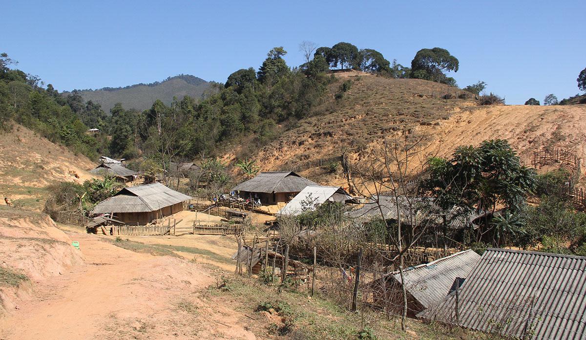 Một góc bản Sài Khao, nơi đoàn quân Tây Tiến từng làm căn cứ hoạt động thời kỳ chống Pháp. Ảnh: Lê Hoàng.