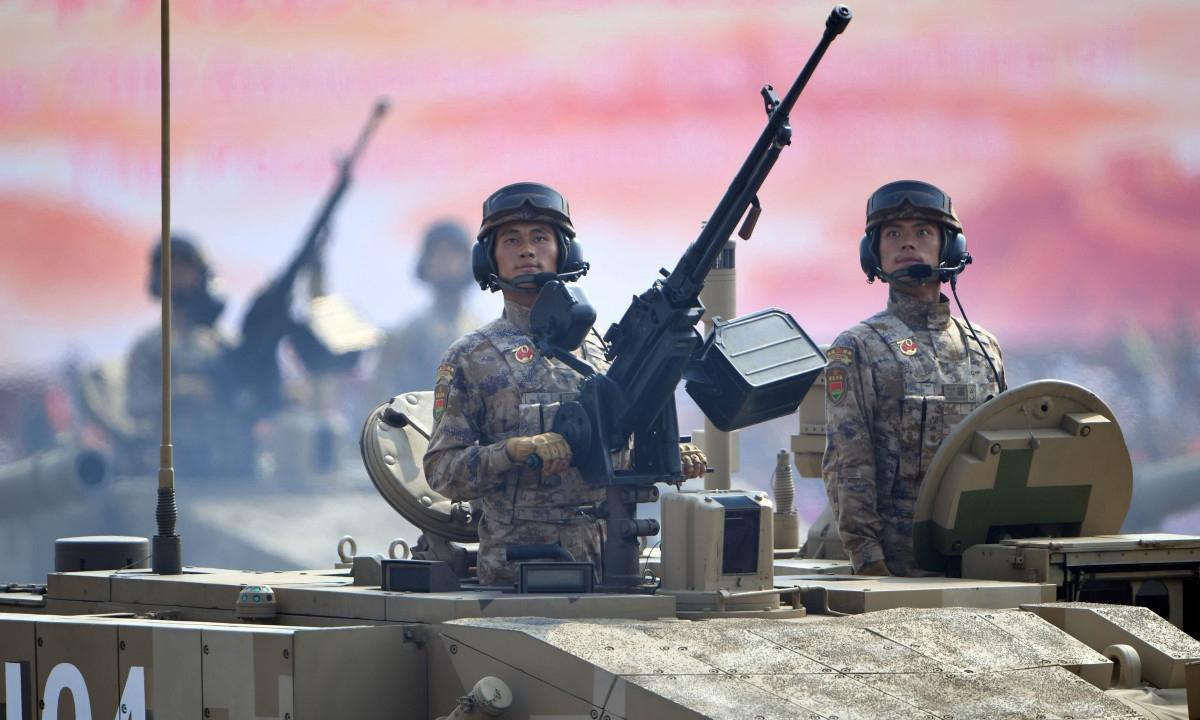 Lính tăng thiết giáp Trung Quốc trong lễ duyệt binh tại Bắc Kinh, tháng 10/2019. Ảnh: Xinhua.